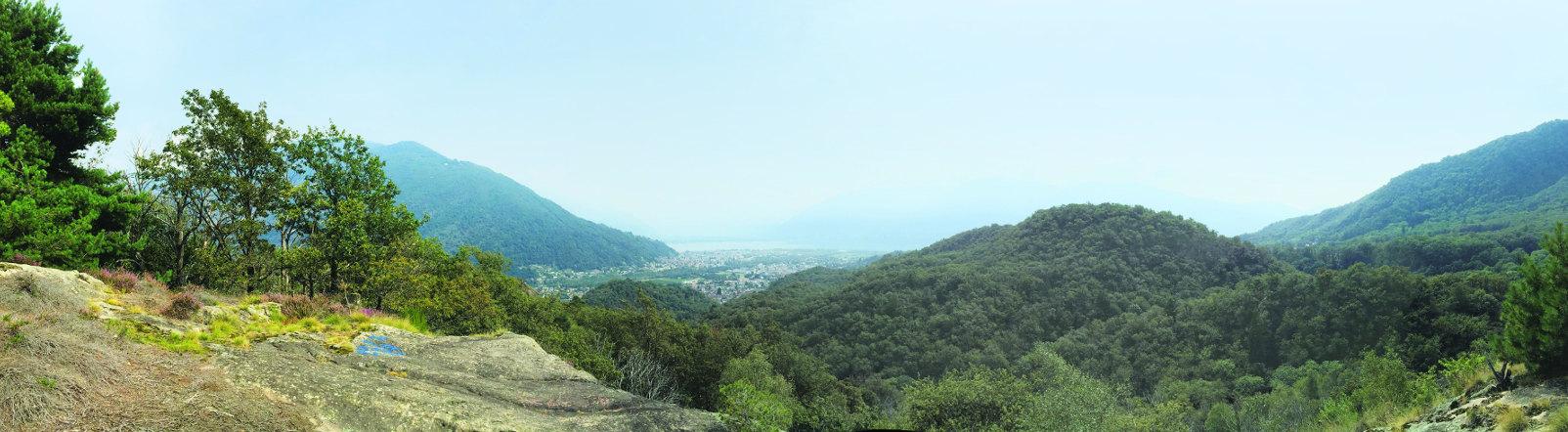 Locarno e il Lago Maggiore visti dal punto panoramico della Collina di Maia.