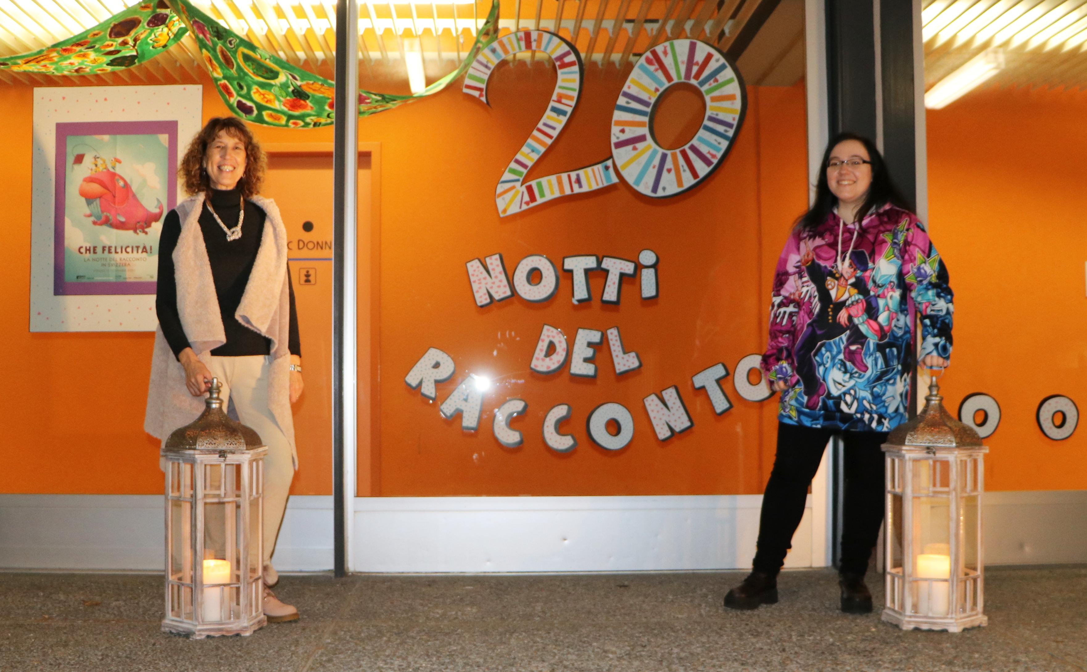 La bibliotecaria Angela Bariletti e l'illustratrice Irene Kaiser per i 20 anni della Notte del racconto a Losone.